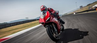 Ducati Panigale V4 S named 2018 MCN bike of the year and sportsbike of the year.