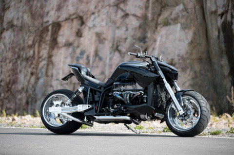 Bee-One Cycles Bomb Boss V8 Motorcycle Flaunts Massive Rear Tire