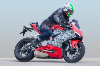 New Ducati Panigale spotted