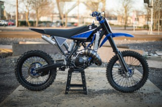 Yamaha YZ125 The Blue Duck by Max Miille