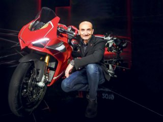 Ducati boss promises more V4-models