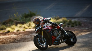 Legendary motorcycle racer Carlin Dunne dies in crash at Pikes Peak Hill Climb, a race he had won 4 times