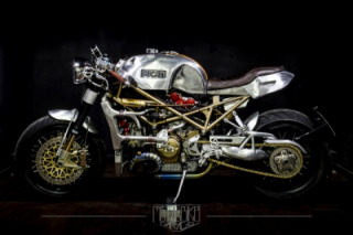 Metalbike Garage's Ducati Monster S4R Is a Two-Wheeled Knight