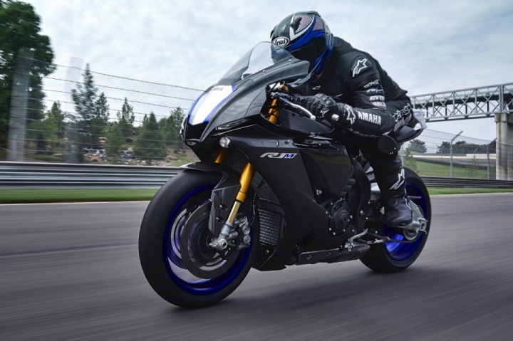New Yamaha YZF-R1 and YZF-R1M 2020