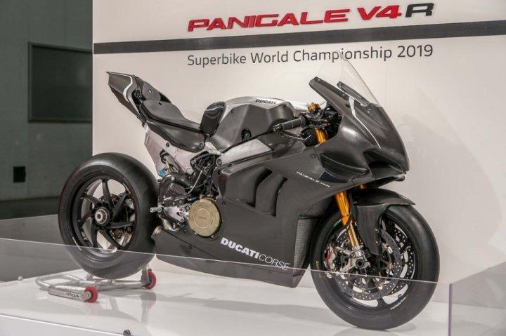 Eicma 2018 Racing Ducati Panigale V4 Rs19