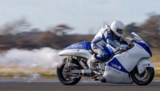 An attempt to set speed record on a steam-powered Hayabusa