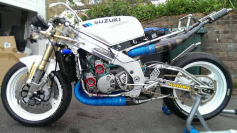 Suzuki RGV500 special build by Gary Parker