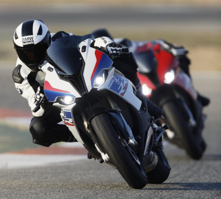 2019 bmw s1000rr officially unveiled rh motoridersuniverse com
