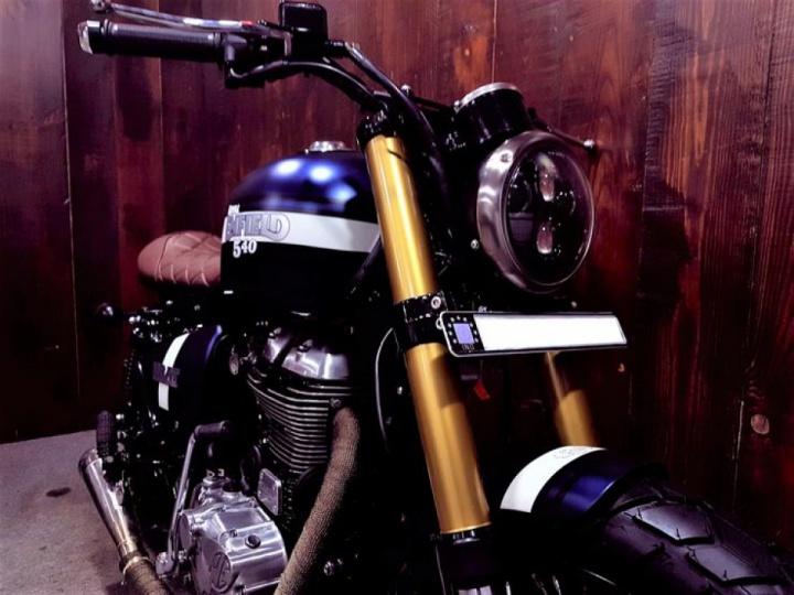 Royal Enfield-Classic 500 by Bulleteer customs
