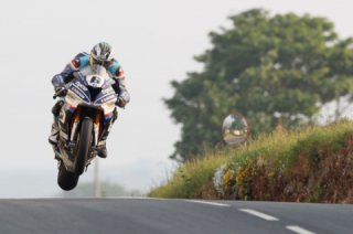 2019 Isle of Man TT: top riders and teams are confirmed