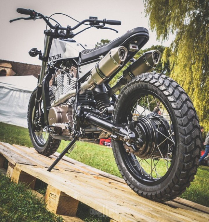 l tabli garage honda xlv750r street tracker. Black Bedroom Furniture Sets. Home Design Ideas