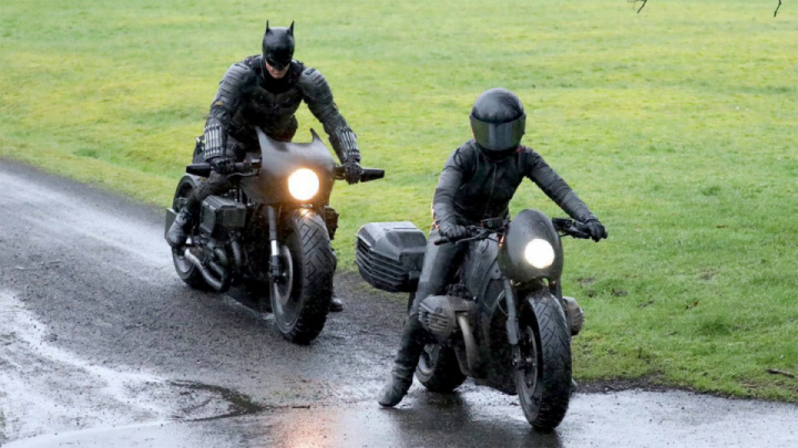 Batman on a motorcycle: the first footage from the filming